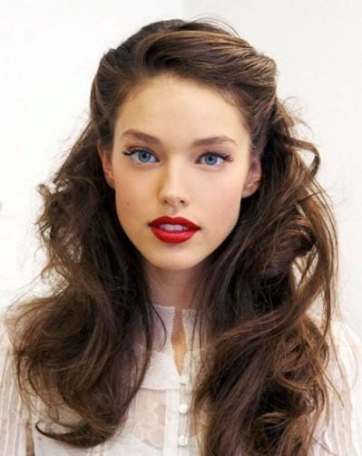 Beautiful fuss-free bridal 1940s hairdo
