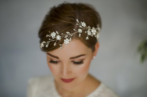 Straight Hairstyles For Brides + Practical Advise